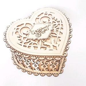 Резная шкатулка Сердце красавицы