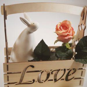 Корзинка для цветов LOVE