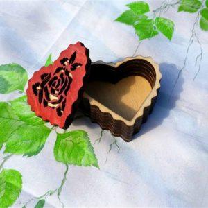 Шкатулка резная Роза
